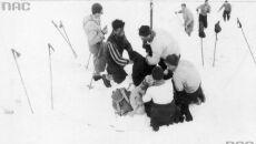 Ratownicy podczas akcji ratunkowej, 1934 (Narodowe Archiwum Cyfrowe)