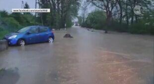 Zalane drogi po gwałtownych burzach na Dolnym Śląsku